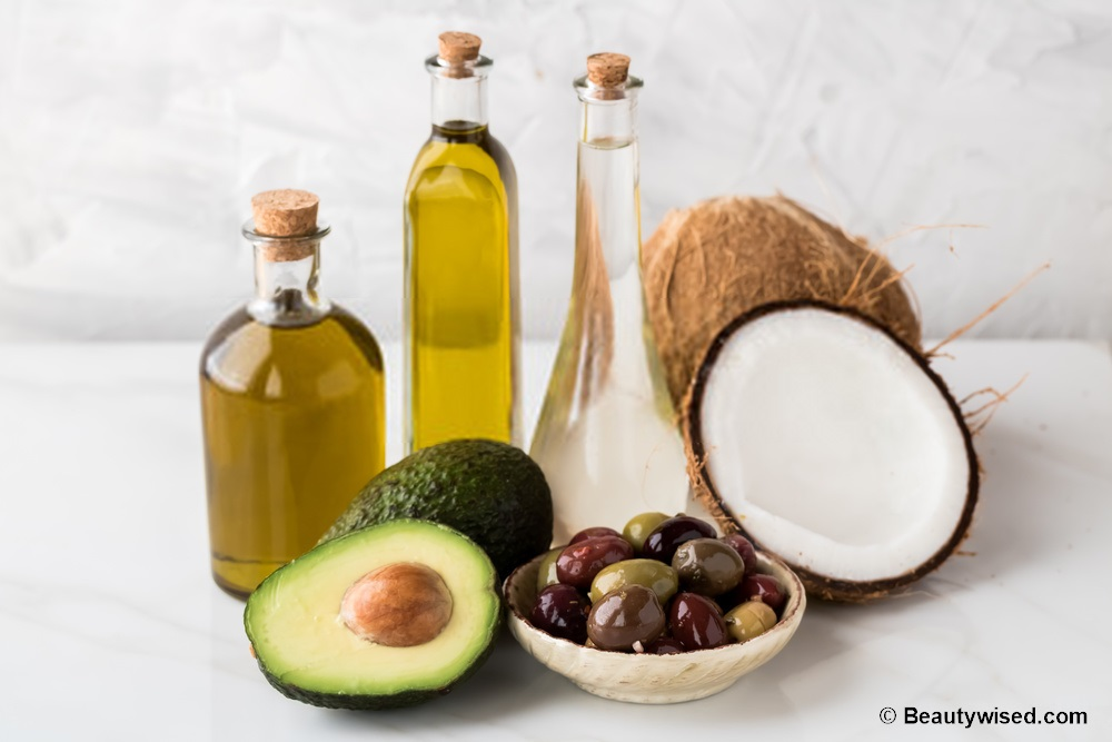 Avocado and coconut oil protein hair masks for hair