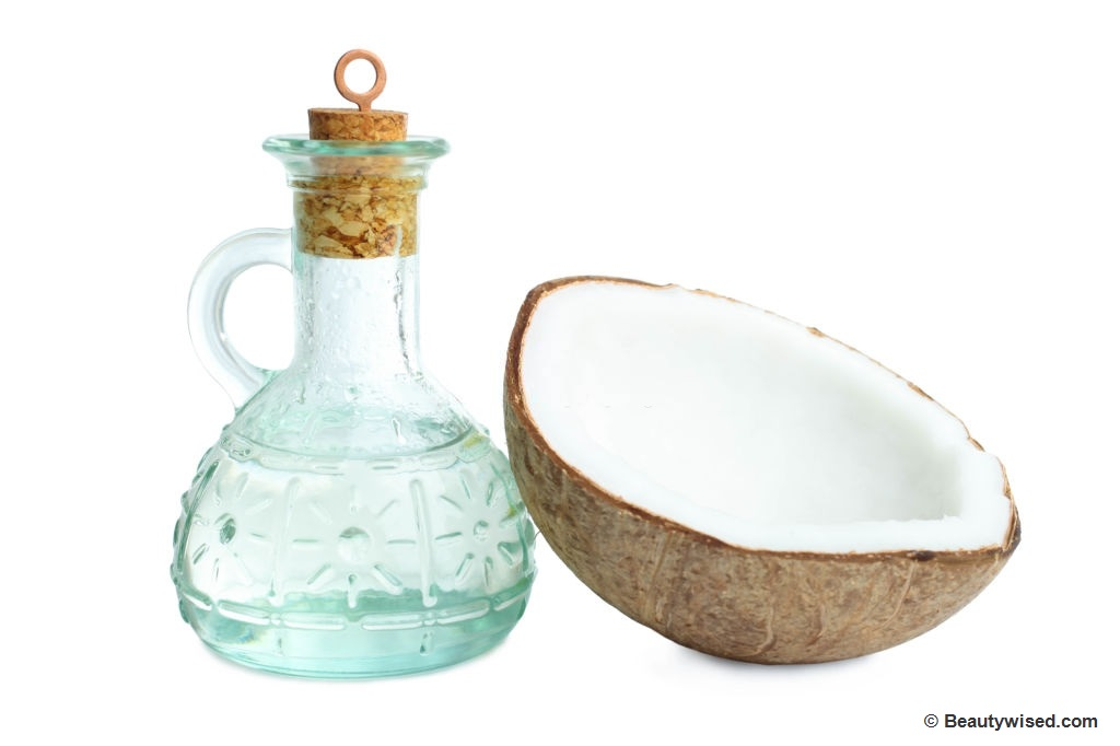 Hot coconut oil massage therapy