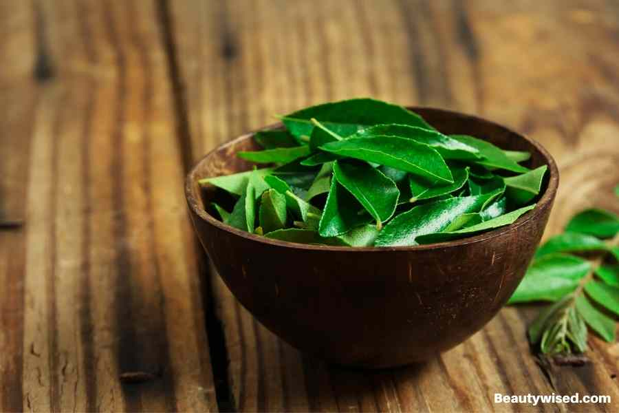 Curry leaves can help hair growth