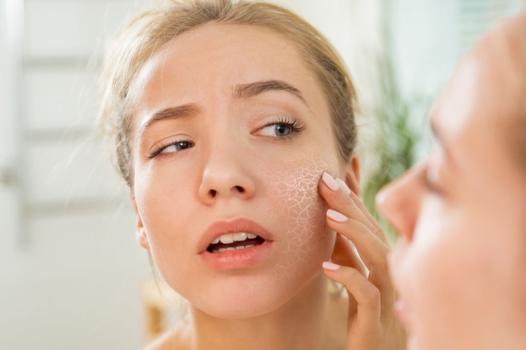causes of uneven and rough skin texture