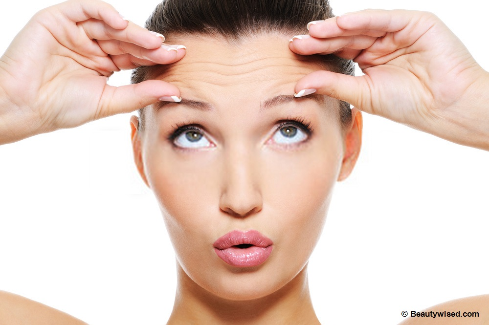 What causes forehead wrinkles?
